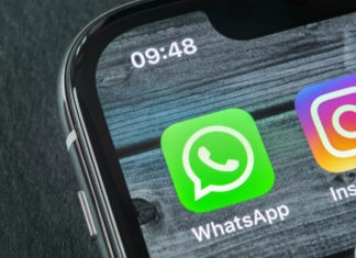 How to Know if Someone is Chatting on WhatsApp